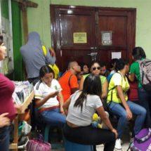Se la aplican a la CNTE, normalistas retienen a líderes sindicales