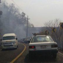 Incontrolable incendio en Pinotepa Nacional