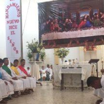 En Pinotepa Nacional católicos reviven la pasión y muerte de Jesucristo