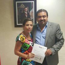 Emma del Carmen Hernández va a SEGEGO de Loma Bonita