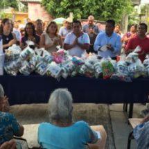 Atestigua Fernando Bautista Dávila entrega de apoyos del Regidor Octavio Santana