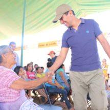 """Con """"Tequio por Xoxo"""", Colonia Mi Ranchito recibe servicios gratuitos de asistencia social"""