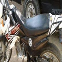 POLICÍAS ESTATALES ASEGURAN MOTOCICLETA POR ALTERACIONES EN SU NÚMERO DE SERIE