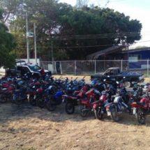 """SON ASEGURADAS 141 MOTOCICLETAS POR DIVERSAS IRREGULARIDADES DURANTE OPERATIVO """"JUCHITÁN SEGURO"""""""