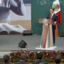 Reconoce Enrique Peña Nieto labor de los maestros en su día