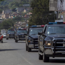 Grupo armado dispara contra la subdirectora de un semanario y su hijo periodista en el occidente de México