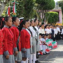 Refrendan con desfile unión de Francia y México