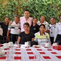 Gobierno de Santa Lucía del Camino celebra a madres trabajadoras