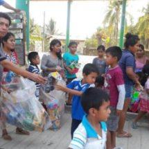 Diputado Tomás Basaldú lleva juguetes y alegría a niños de comunidades de la Costa