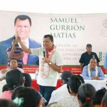 Se reencuentra el Dip. Local, Samuel Gurrión Matías, con familias de San Felipe Usila