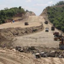 Documentan presunto desvío de recursos de súper carretera a la Costa