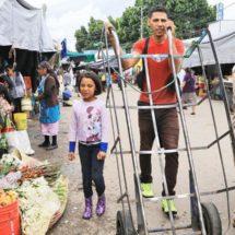 Desempleo y pobreza, el peso de ser padre en Oaxaca