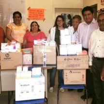 Irineo Molina entrega medicamento a clínica adscrita a Chiltepec