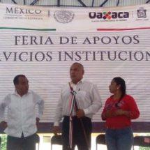 Presidente de Usila recibe a delegado de Sedesol