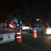 ASEGURA POLICÍA VIAL ESTATAL 13 AUTOS, DOS MOTOS, CUATRO CAMIONETAS, UN TAXI COLECTIVO Y A SUS CONDUCTORES
