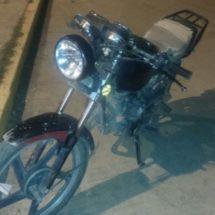 POLICÍA ESTATAL DETIENE A SUJETO POR CONDUCIR MOTOCICLETA CON REPORTE DE ROBO