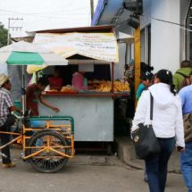 Inoperable dirección de comercio ante invasión de calles