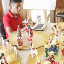 Una Guelaguetza de papel y en miniatura en Salina Cruz, Oaxaca