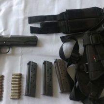 LLEVABA UN ARMA DE FUEGO SIN LICENCIA Y RESULTÓ DETENIDO POR POLICÍAS ESTATALES EN EL ISTMO
