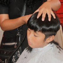 Gestiona Diputado Samuel Gurrión Matías cortes de cabello para niños y jóvenes estudiantes