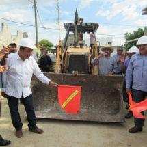 Inicia Horacio Antonio obras en Valles Centrales
