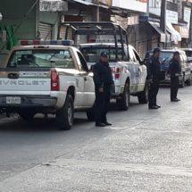 Impide la Policía Vial del Estado los apartados de lugares en vía pública