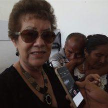 Entrega ayuntamiento ocho mil pesos y reparan el daño a comerciante desalojada del mercado el año pasado