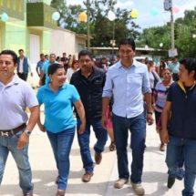 Inaugura Alejandro López Jarquín obra de pavimentación en Xoxocotlán
