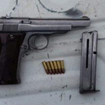 POLICÍAS ESTATALES DETIENEN A SUJETO POR PORTACIÓN DE ARMA DE FUEGO