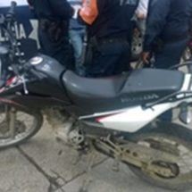 Aseguran motocicleta con reporte de robo