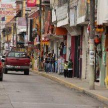 Debe atender ayuntamiento los altos impuestos cobrados al sector comercial: Rodrigo Bravo