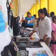 Clausura Ayuntamiento de Tuxtepec segunda etapa de curso de pintura textil