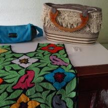 Rifarán artesanías para ayudar a artesana afectada por el terremoto