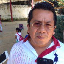 Regidor de gobernación sigue apoyando a su comunidad Loma Alta