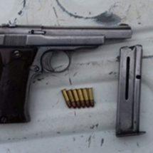 Estatales atrapan a sujeto armado