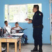 Siguen impartiendo cursos en las colonias de Prevención al delito