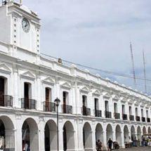 Empleados del IEEPO en Juchitán piden combustible en su área laboral