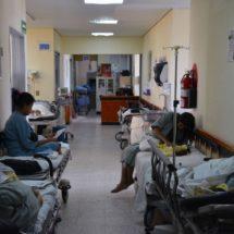 En hospitales y centros de salud  hay carencia de medicamentos