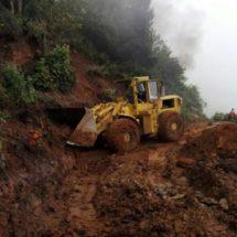 Atiende CAO derrumbes por intensas lluvias en Sierra Sur y Sierra Norte
