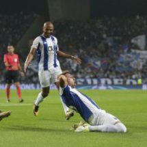 Herrera abre camino para triunfo del Porto en Champions