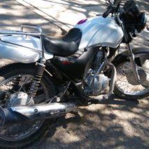 POLICÍA ESTATAL IDENTIFICA Y ASEGURA MOTOCICLETA CON REPORTE DE ROBO EN JUCHITÁN DE ZARAGOZA