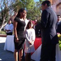 Presidente Martín Aguirre entrega presea municipal del deporte 2017