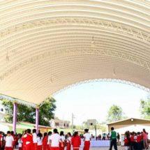 Más de 800 jóvenes se benefician con techados escolares en Xoxocotlán