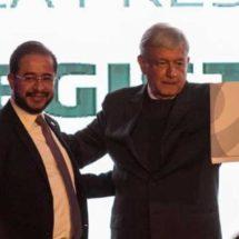 AMLO obtiene registro como precandidato a la Presidencia por el PES