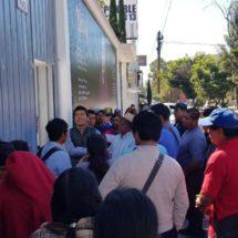 Pobladores de la Mixteca y Cañada protestan en las oficinas de CDI, en Oaxaca
