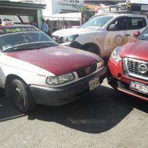 Chuza en la piragua entre 3 vehículos