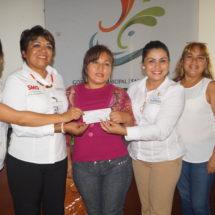 Reciben Microcrédito 80 mujeres tuxtepecanas por gestión de Bautista Dávila