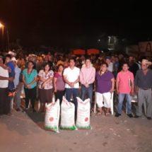 Entrega el Diputado Fernando Huerta apoyos a plataneros en Santa Teresa y Papaloapan