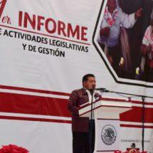 Alejandro Aparicio rinde primer informe