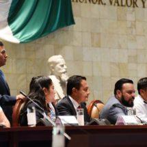 Bloquea Sección XXII el Congreso… Reagendan comparecencias de titulares del IEEPO y COPLADE